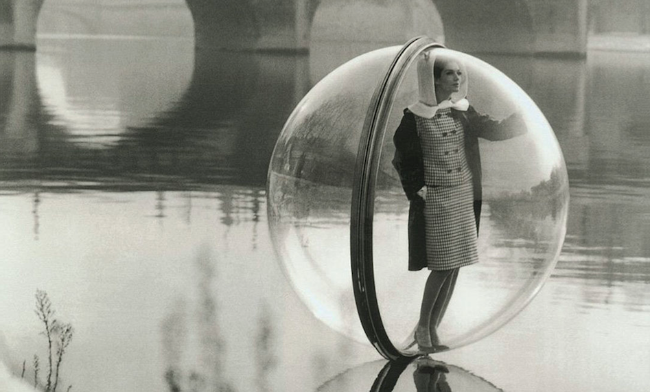 1963 ... lady, bubble, river - Melvin Sokolosky. Door James Vaughan
